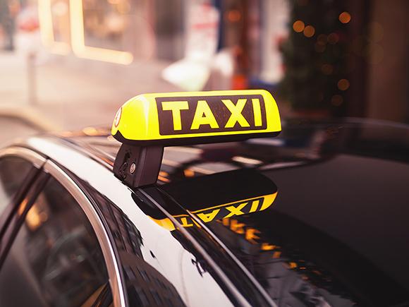 乗る タクシー 夢 に