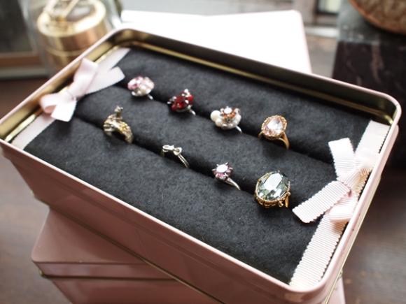 100均のスポンジで出来る!お店にあるような指輪ボックスの作り方 | 女性の美学