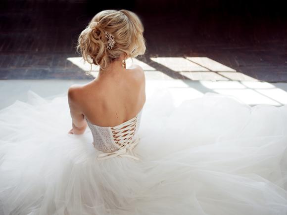 83c9e40d8cfdd 女性なら、誰もが一度は憧れるウェディングドレス。結婚式当日は、お気に入りのドレスをまとって、誰よりも素敵な花嫁になりたいですよね。