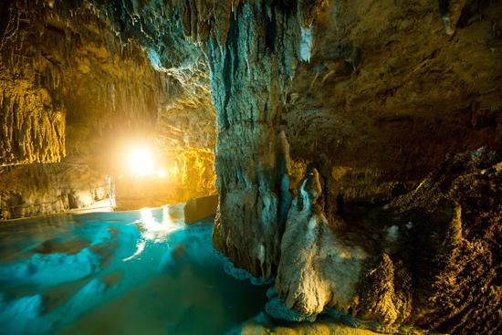 沖縄の鍾乳洞玉泉洞の画像