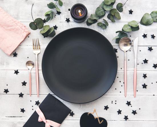 食事用お皿の写真