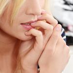 爪を噛む癖の記事のトップ画像