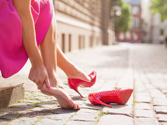 彼とのデートや友達とのお出かけ、オシャレをしたい日にこそ履きたくなるのが新しい靴!\u2026ですが、新品の靴について回るのが「靴擦れ」のトラブル。