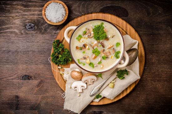 きのこ入りスープの写真