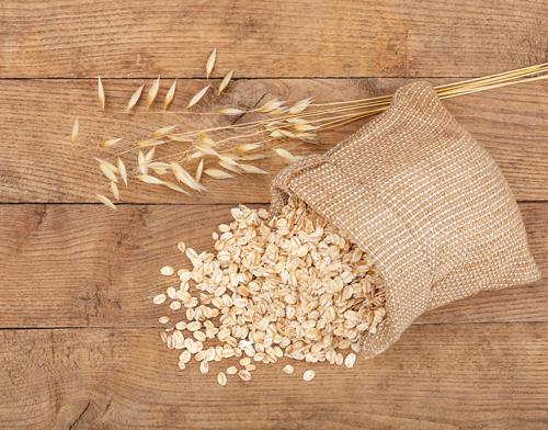 オーツ麦とオートミールの写真
