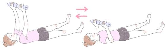 ペットボトルを使って小胸筋を鍛える方法1010112