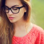 メガネ女子のメイクのコツの記事のトップ画像